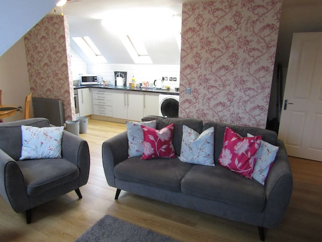 Number 9 - Shrewsbury Town Centre 2 bedroom flat