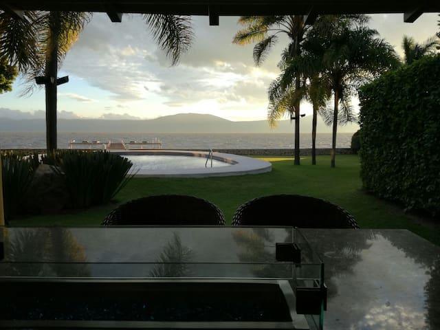 Semana santa y pascua en casa frente al lago - Chapala