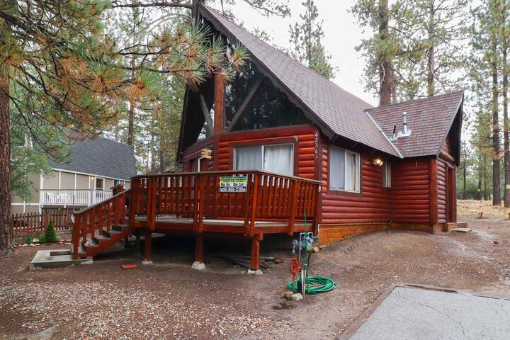 The Rusthy Bear: Luxury! Internet! Great Central Location! Propane BBQ!