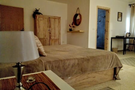 Petra Farmhouse room 1 /price x 2 persons