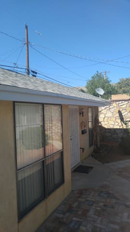 El Paso Guest House in Kern Place, Central