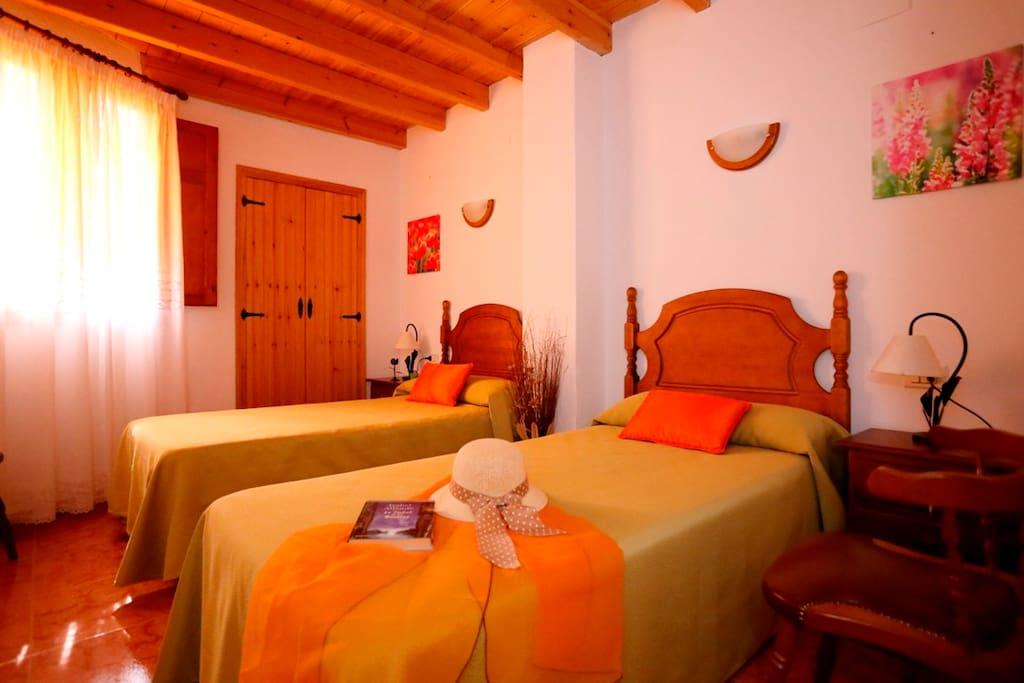Casa rural meli con vistas a las monta as maisons - Casa rurales comunidad valenciana ...