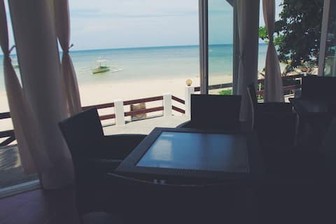 A/C Room for 3 in Sipalay with Easy Beach Access