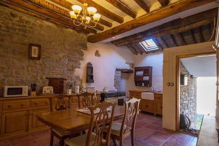 Beautiful casa / house Ainsa Pirineos