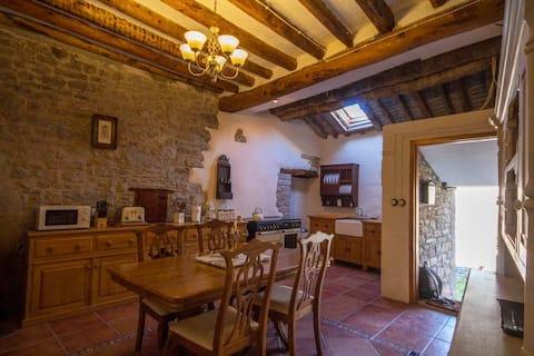 Piękny dom Ainsa Pirineos