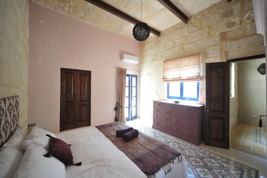 maltese village cores Villas - apartments - hotels - holiday-maltacom traditional farmhouses, village core town houses greener and most laid back island of the maltese.