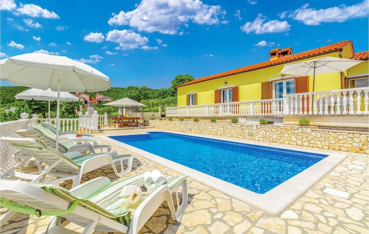 Beautiful home in Rabac with WiFi and 3 Bedrooms