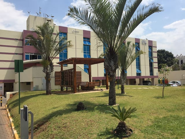 Quitinete em condomínio fechado na Asa Norte - Brasília - Apartmen