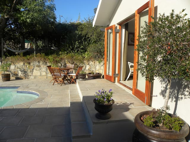 Bougainvillea Cottage - Cape Town - Chalupa