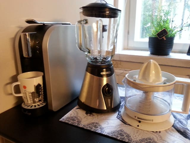 Do you want to make coffee, smoothie or fresh orangejuice?