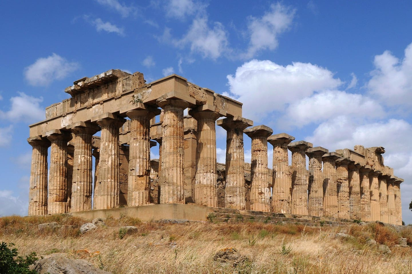 Just few steps away from the wonderful Greek archeological park of Selinunte