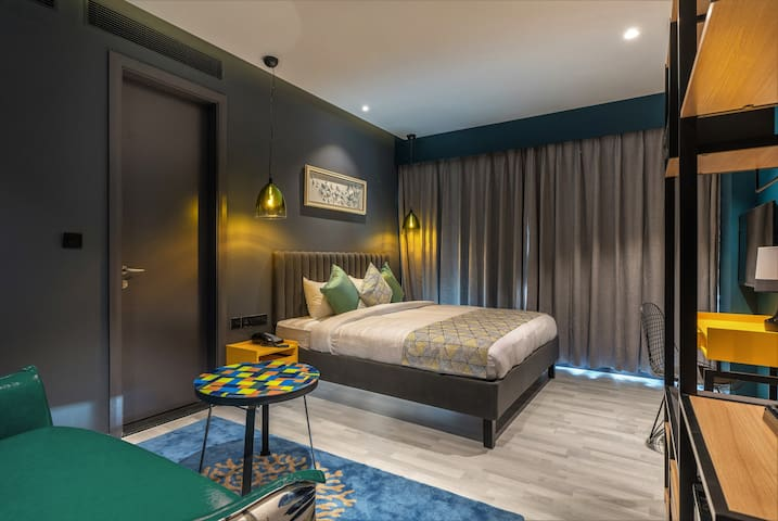 A Chic room for wonderful stay in Hyderabad