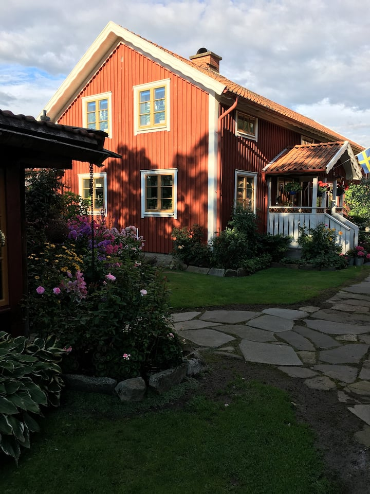 Holmåkra Bed & Breakfast