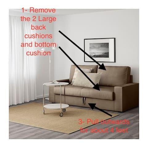 There are two double sofa beds in the living room. This one is a bit more complicated to open and close. Directions start here.
