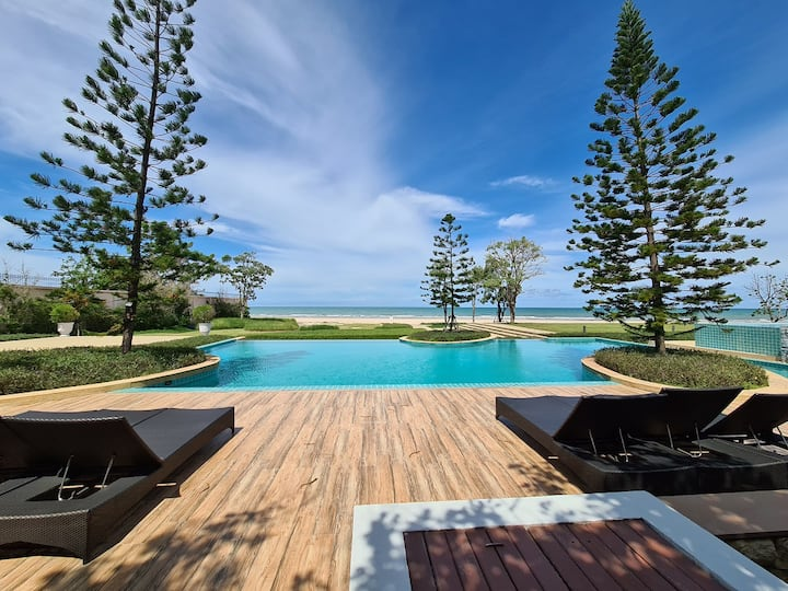 Beachfront Tuscany Village - 3BR House max12Guests