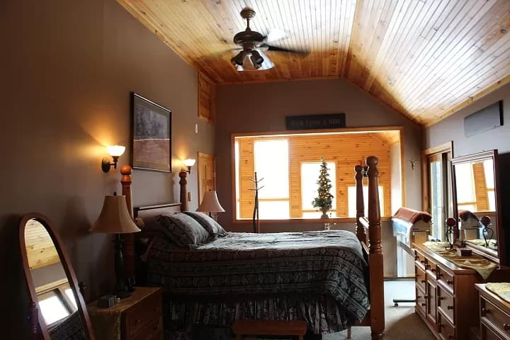 Ski Chalet 2 miles from Sunday River,slps 6 &VIEWS