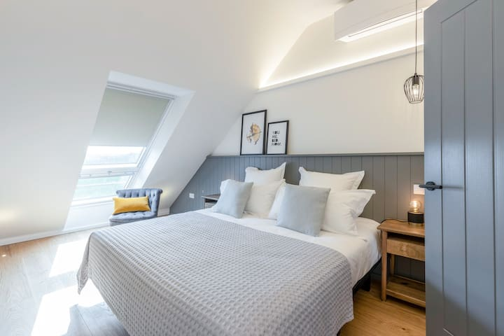 Both bedrooms have superking wide double beds that can split to twins.