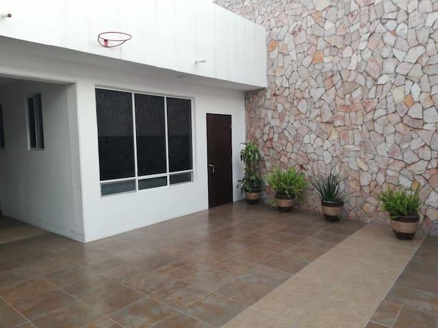 Habitación independiente de 1 a 6 personas