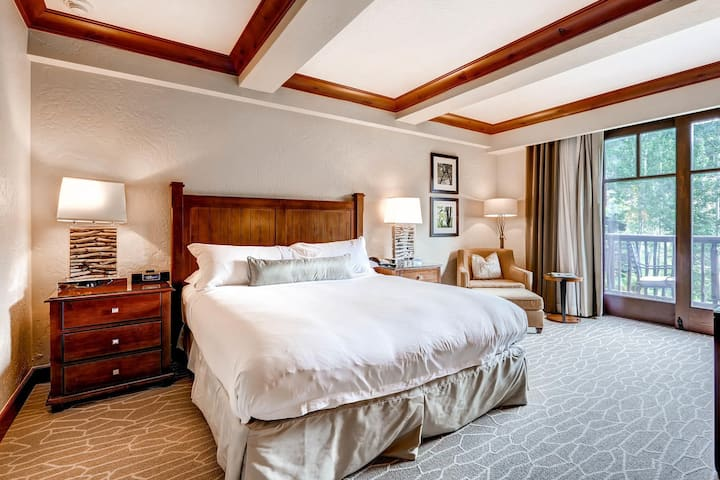 Professionally Cleaned Luxury Master Suite In Ritz