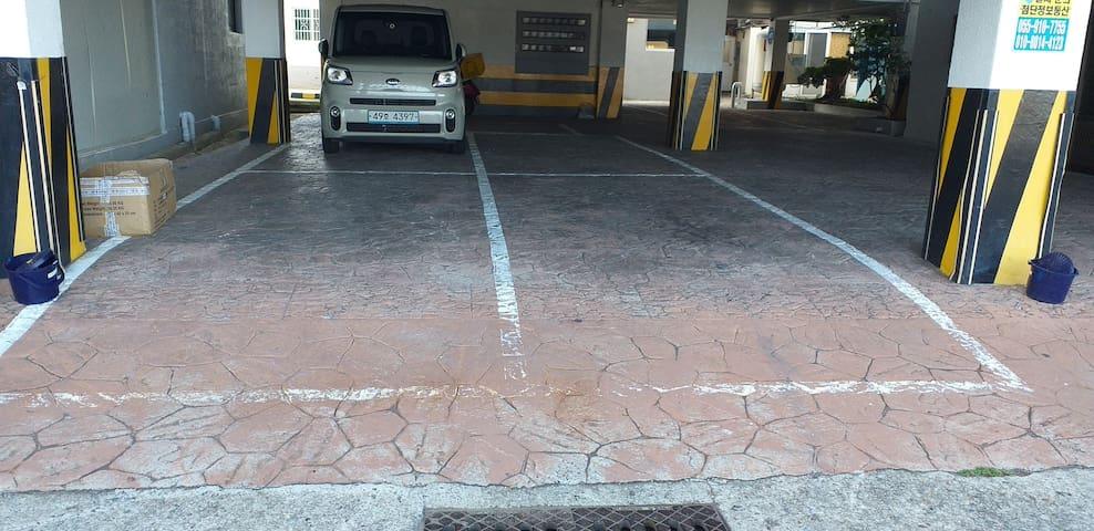 건물내주차장입니다