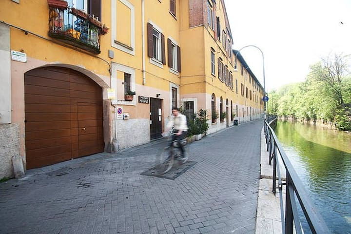 Double room apartment on the banks of Naviglio