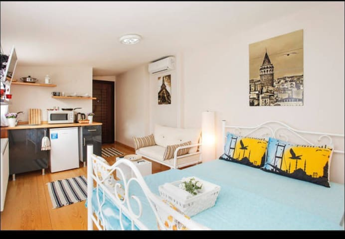 TERRACE ROOM with GALATA VIEW - Beyoğlu - Apartment