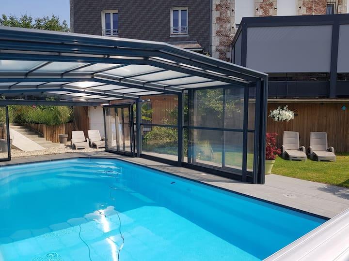 Superb cottage 4 * Indoor swimming pool Jacuzzi