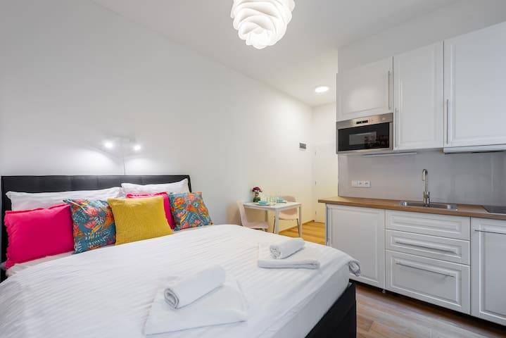 Daisy Apartment