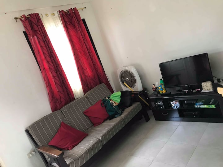 House Guiguinto 4-6 persons, Daily and Monthly