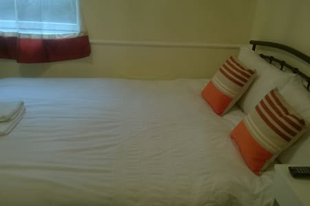 1 double bed room flat (Washington) - Washington