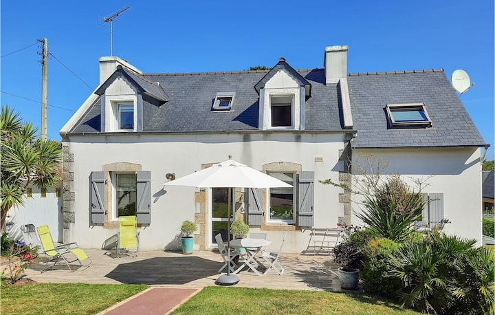 Nice home in Plouguerneau with WiFi and 3 Bedrooms