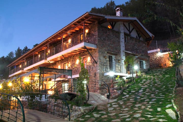 Casas Rurales El Serbal. Con Piscina climatizada - Benatae - Casa
