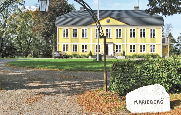 Amazing home in Tidaholm with 6 Bedrooms