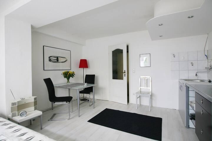 Kleines Appartement im Viertel - ruhig und zentral - Brema - Apartament