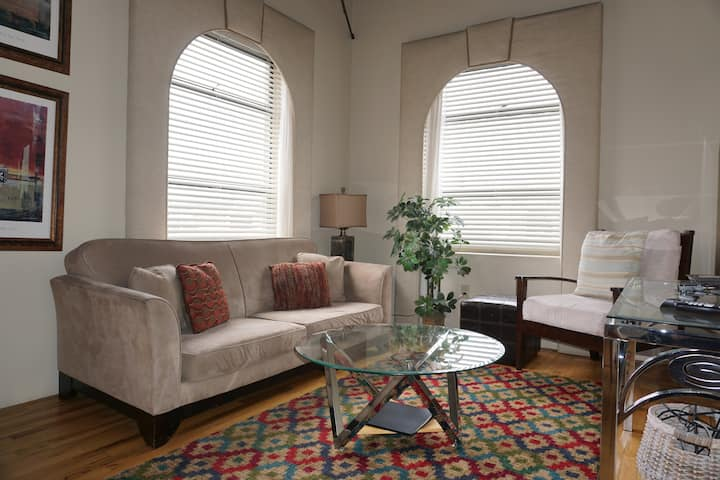 Cozy Historic Liberty Suite Downtown Medford 1bd