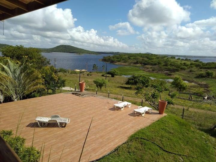Fazenda à beira do Rio Paraguaçu