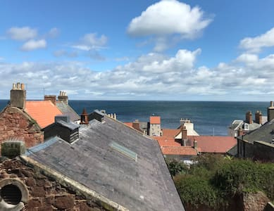 Stunning Sea View Apartment in Central Dunbar