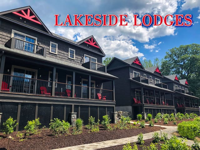Lakeside Lodging - Heart of Lake George
