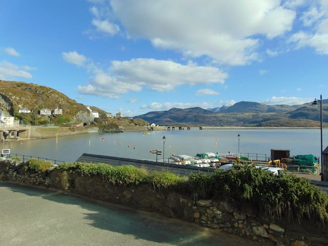 Modern apartment with estuary views - Barmouth - Apartament