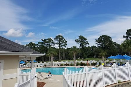 Relaxing Pool & Golf Condo View Amazing!