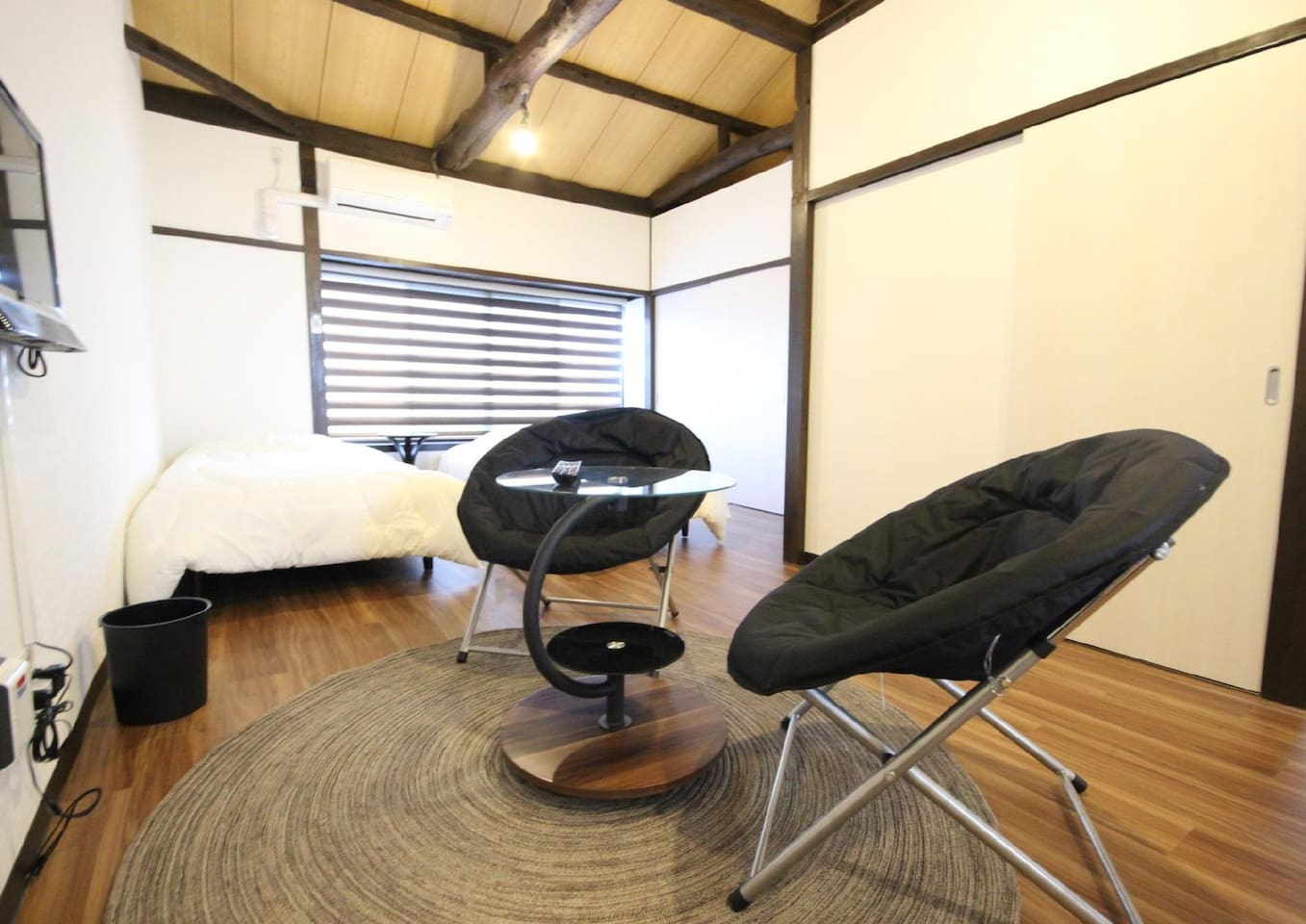 Hello, this is Smile's new room! You can enjoy Japanese style room and new furniture! :)