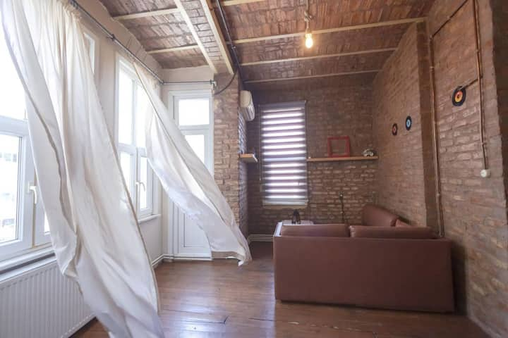 1 BR Stone House | 1min to Taksim Square