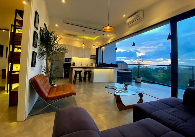 SPECIAL PRICE! Penthouse with Sunset View