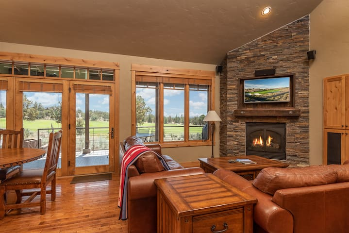 Brasada Ranch 3 BD/3.5B Cabin w Hot Tub - Inc Golf