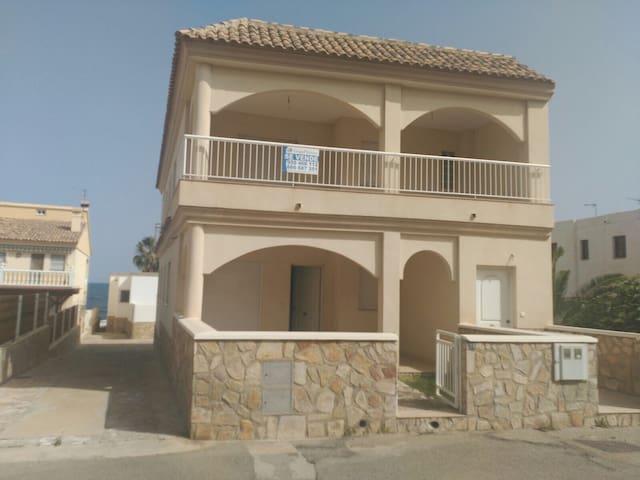 Casa nueva a 50 metros del mar
