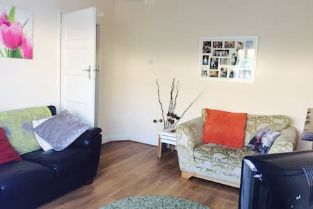 2 bedroom Spacious apartment - Ruislip