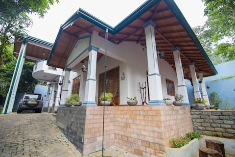 The Teak Villa Kandy - Royal Suite