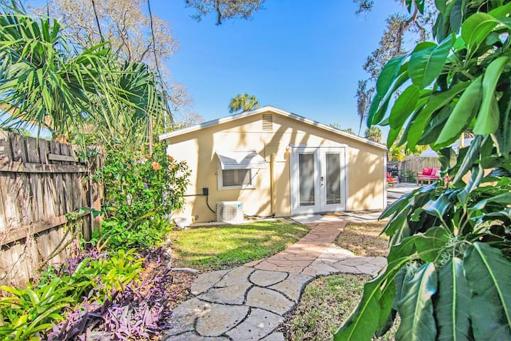 Guest Suite with Private Yard - Minutes from Beach