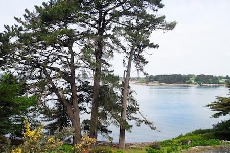 Maisonnette vue et accès  mer face à l'ouest - Île-aux-Moines - 独立屋