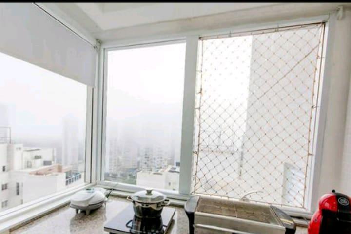 Flat Brookfield Towers completo com ar, tv e WIFI.
